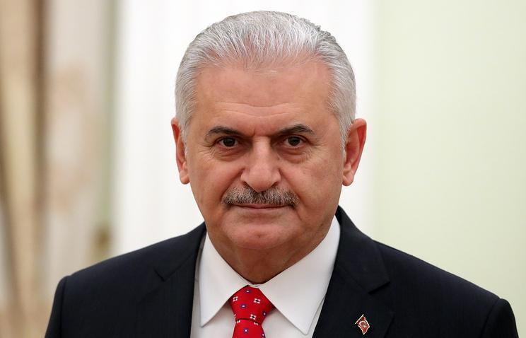 土耳其总理:购买俄S400防空导弹系统是别无他选