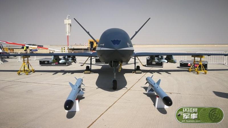 """中国首款高空高速外贸无人机""""云影""""走出国门"""