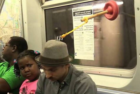 难道怪人都去坐地铁了