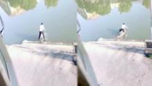 三人同行一小伙大吼想超车 不料下一秒被逼无路扎进河里