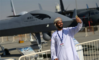 中国先进武器闪耀迪拜航展