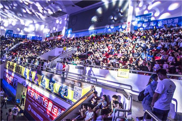 首届中国轮舞公开赛完美谢幕