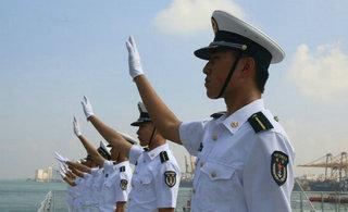 中国海军戚继光舰离开斯里兰卡