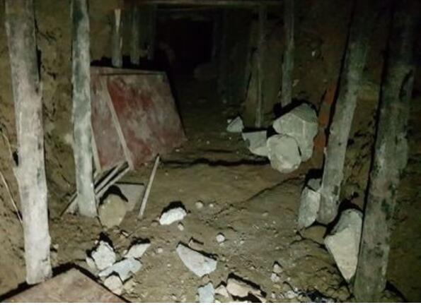 印度盗贼挖15米长地道抢银行 搬空30个保险柜