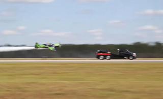 装喷气发动机卡车比飞机还快