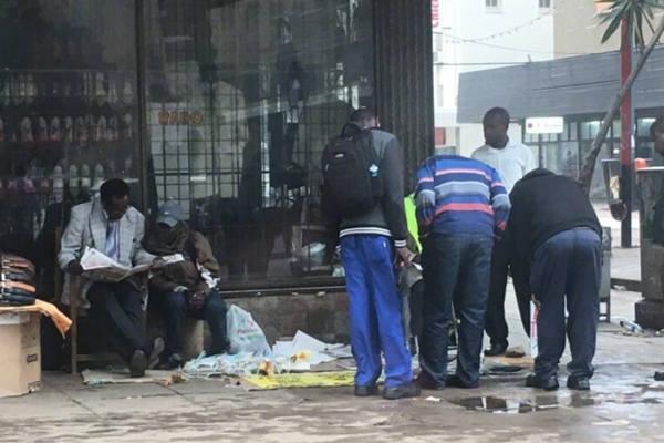 政局巨变后的津巴布韦首都街头平静如常