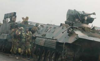 津巴布韦军队开进首都夺取电视台