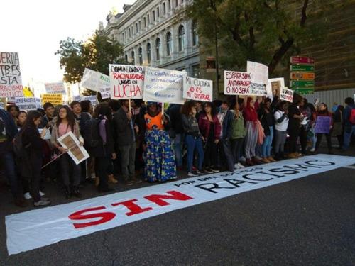 反种族歧视游行声势浩大 西班牙华人积极发声