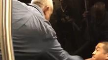 加州一白人男子在列车上辱骂亚裔,并动手打人