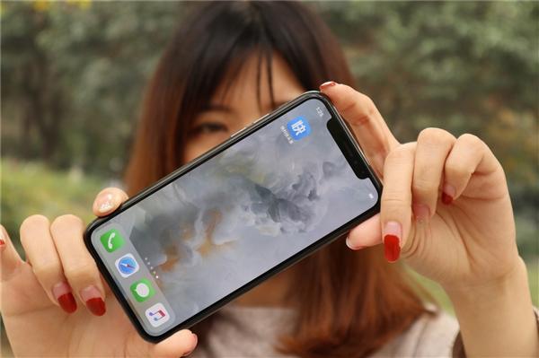 看完iPhone X这些操作 瞬间觉得万元白花