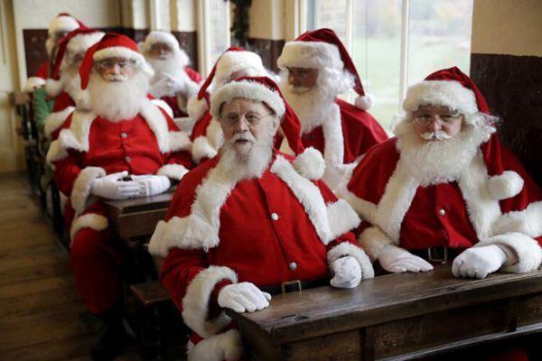 不容易!伦敦圣诞老人上课接受专业培训