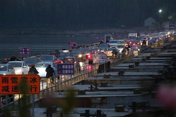 山东滨州黄河大桥封闭施工