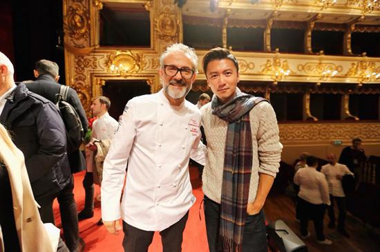 谢霆锋晒照:当米其林之友遇上世界顶级大厨