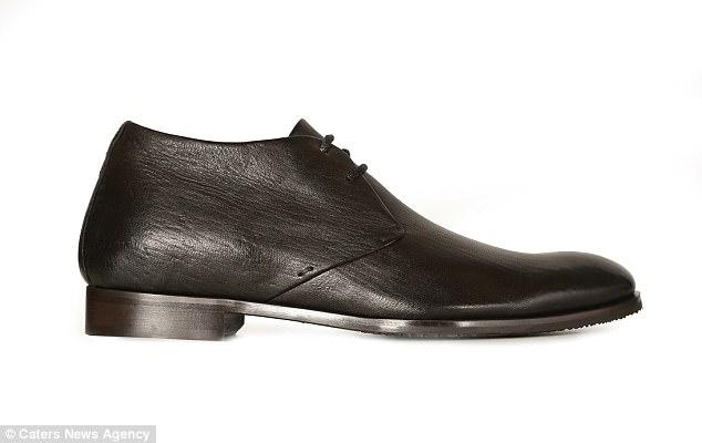 007式特工鞋出炉:内含刀具手机等装置
