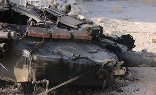 俄T90坦克又被打爆炸得很惨