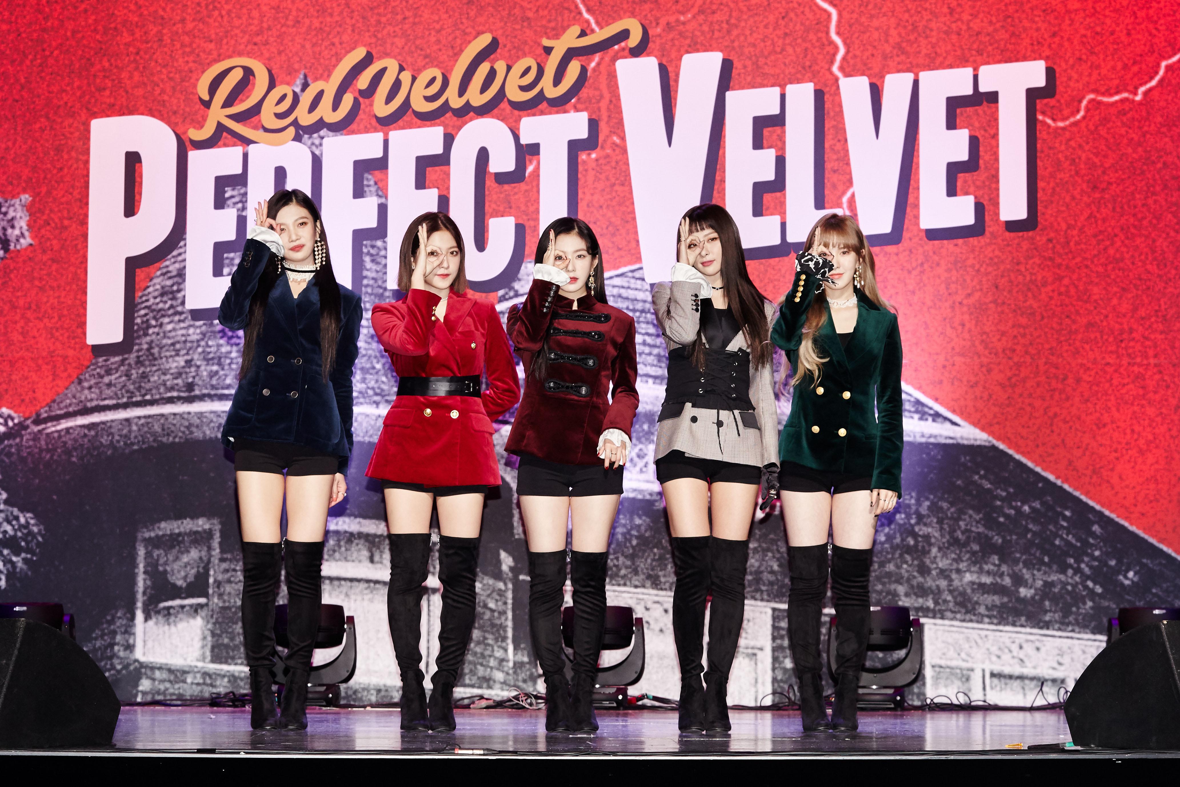 大势女团Red Velvet 新歌《Peek-A-Boo》再现完美大热