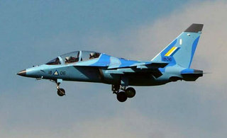 缅甸空军新到货两架雅克130
