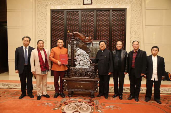 叶福欢玉雕《中华龙·中国梦》被国家博物馆收藏