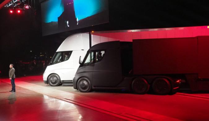 特斯拉的电动大卡车来了 理论续航可达800公里