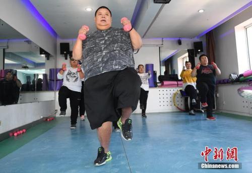 """工作以后越来越胖?这些职业最易患上""""过劳肥"""""""