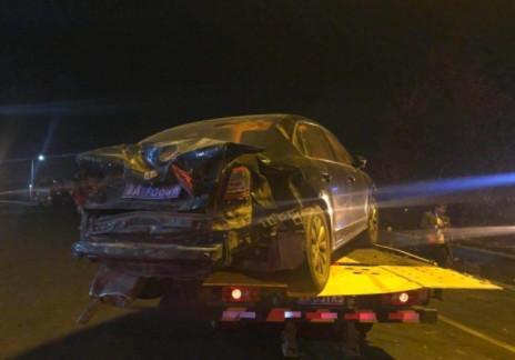 济南东高速大货车冲进车流11车相撞 已致1死6重伤