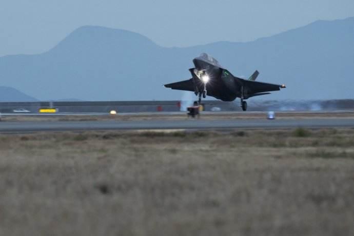 美军大量部署F35指向明确 能对半岛造成打击