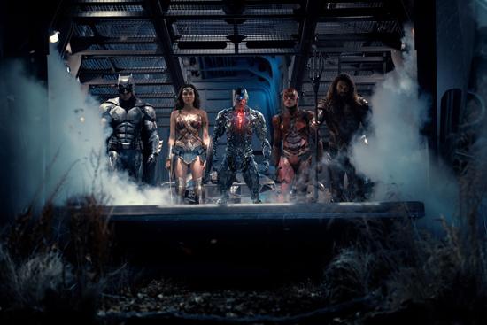 《正义联盟》首周3.44亿 神奇女侠出场即爆点