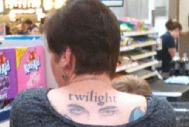 纹身让我变成一朵奇葩图片