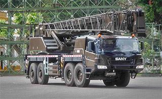 阿根廷陆军接首辆中国产重型吊车