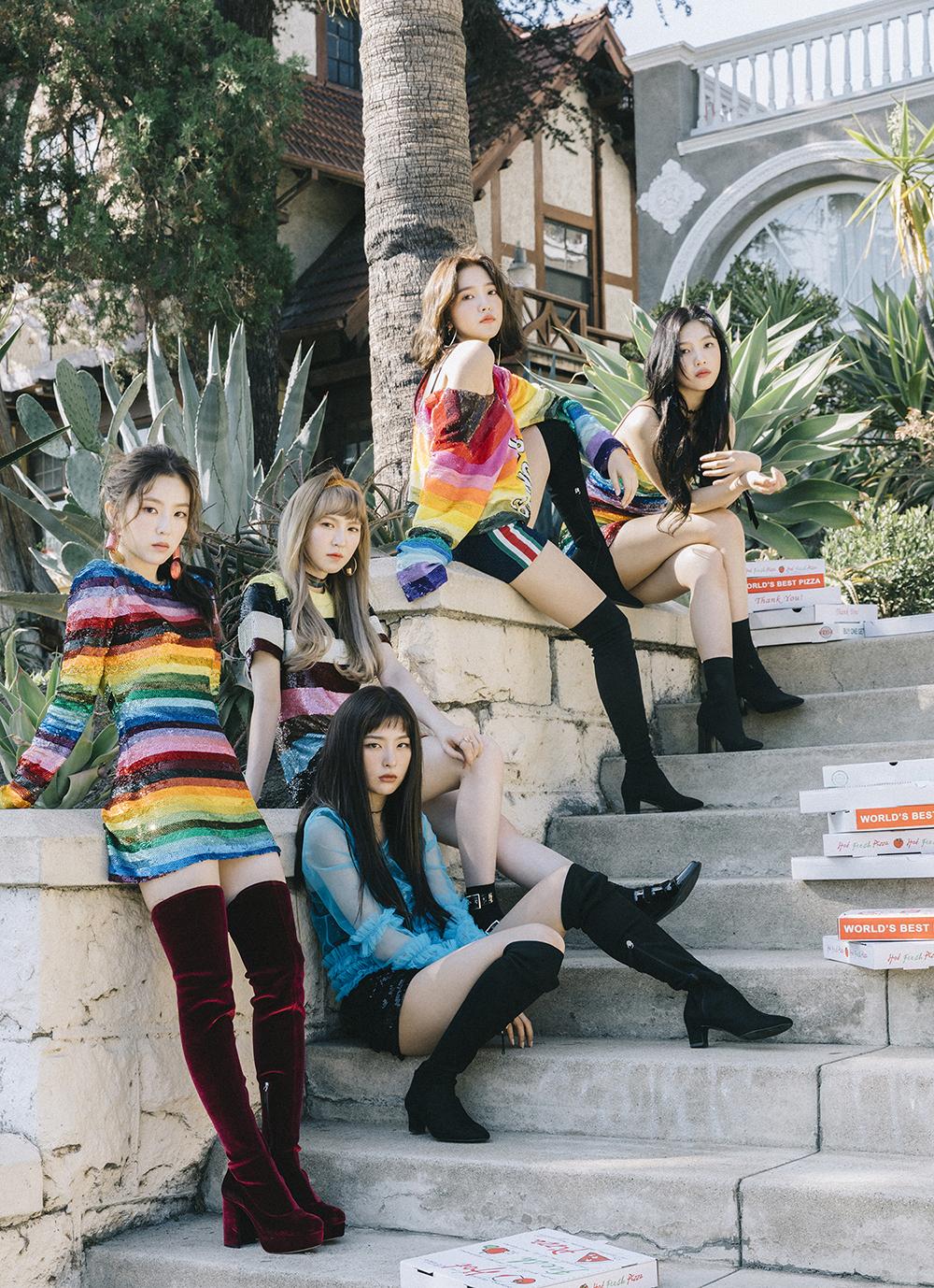 Red Velvet新歌《躲猫猫(Peek-A-Boo)》舞台表演成话题