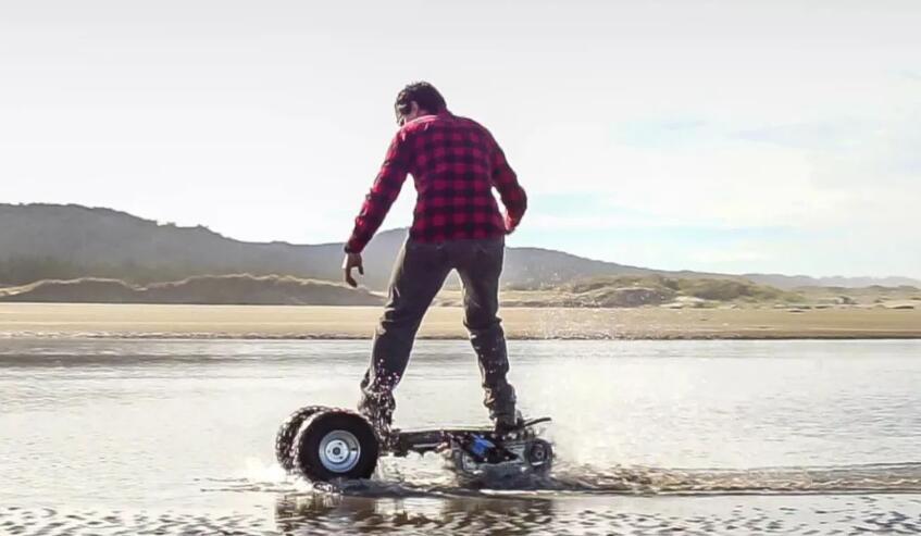 美公司推全球首款越野电动滑板车 全地形都能玩