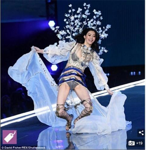 扶奚梦瑶的那个模特火了,网友说她是天使本人