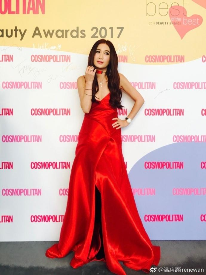 冻龄女神温碧霞一身红裙 身材凹凸有致