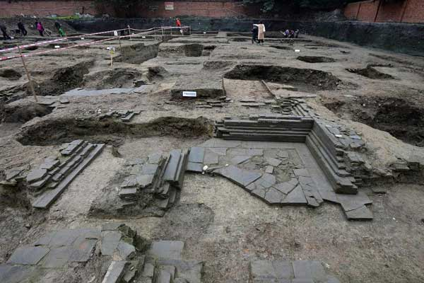 成都鼓楼发掘出明朝藩王住所 有天井有灶台