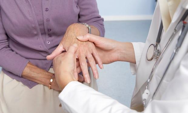 英研究发现:维生素D或为类风湿性关节炎救星