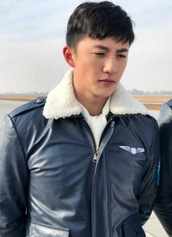 《飞行少年》造型曝光 杨东清演绎铁血军人