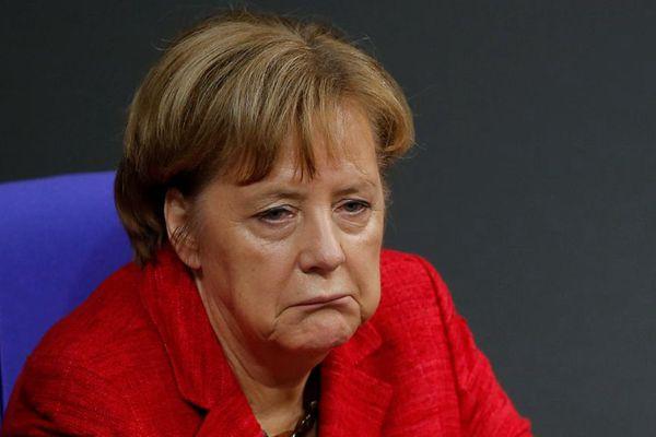 德国政府组阁谈判破裂 默克尔愁容满面