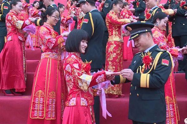 火箭军为99对新人举办了一场特殊的婚礼