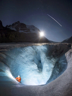 加拿大男子夜攀冰穴偶遇国际空间站