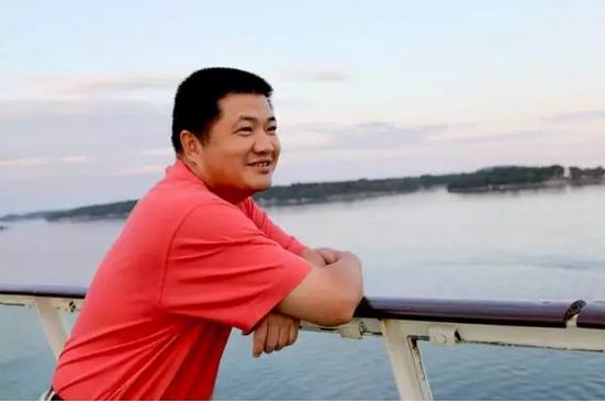 """履行社会责任 黄其森给自己制定了慈善公益的""""小目标"""""""