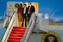 特朗普一家抵佛州度假 支持者接机欢迎