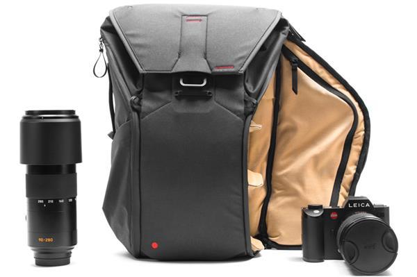 限量版徕卡相机背包发布:好用还不贵
