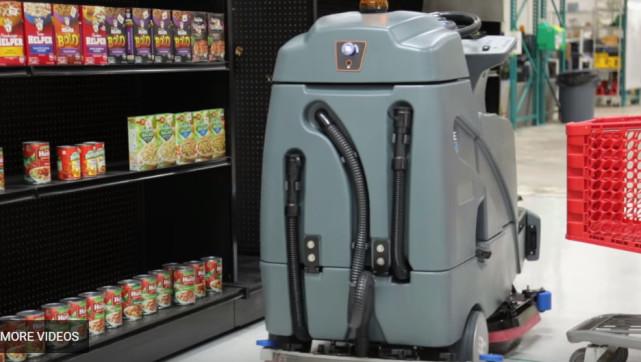 超市也要高科技 沃尔玛测试自动清扫机器人