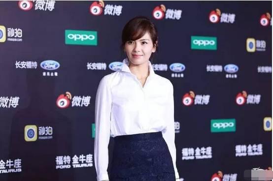 刘涛白色穿搭秘籍:40+女人怎么穿最气质!