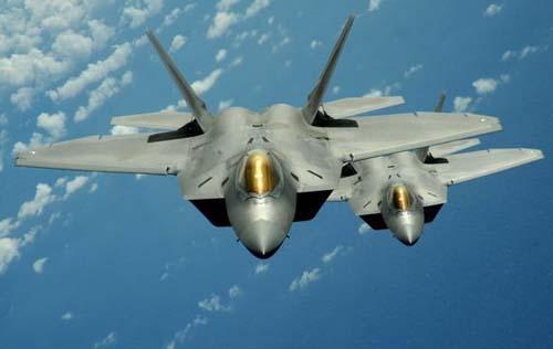 """美6架F22战机赴韩国参加""""警惕王牌""""联合军演"""