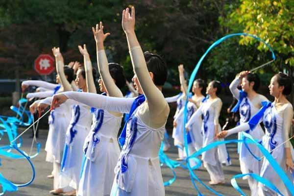 浙江女子监狱举办丝绸文化艺术节