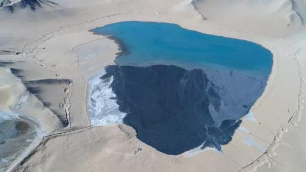 青海一矿企被指向柴达木沙漠直排尾矿,环保局邀专家现场调查