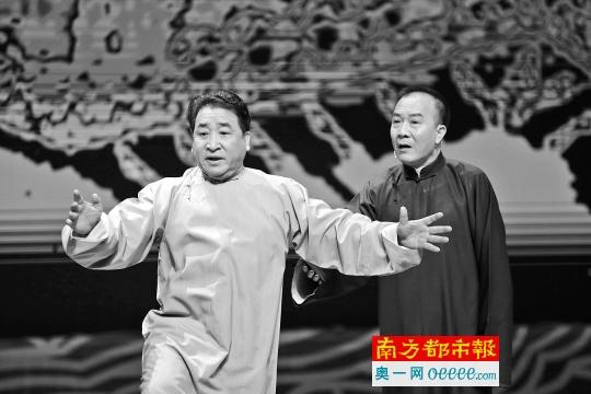 """姜昆在广州当""""文艺志愿者"""""""
