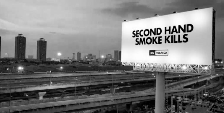 """美烟草业被迫登""""吸烟有害""""广告"""