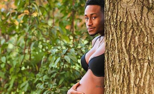 美国夫妇拍借位搞笑孕照引热议
